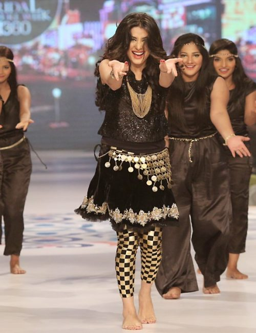 Mehwish Hayat Performing Live